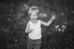 Fotograf-ktrakow-sesje-dzieciece-noworodki-zdjecia-dziecka