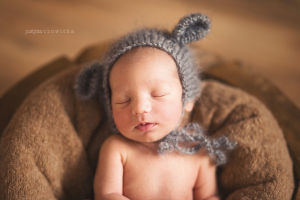 Sesja-noworodkowa-justyna-czowicka-fotograf-krakow-zdjecia-dzieci-sesja-ciazowa-fotograf-rodzinny-sesje-noworodkowe